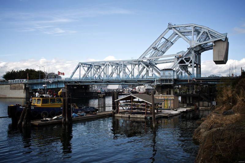 more blue bridge