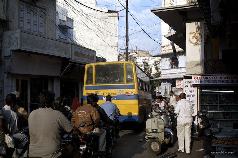 big bus small street