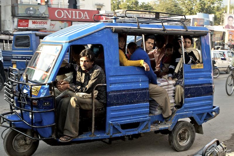 tuktuk riders